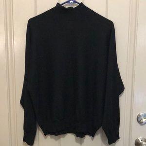 Pretty Lightweight Black Sweater (SZ L)